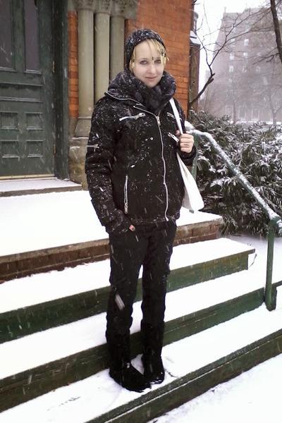 black bearpaw boots - black hat - black Vixxsin jacket - black Rue 21 pants