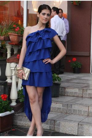 beige bag - blue dress - beige heels