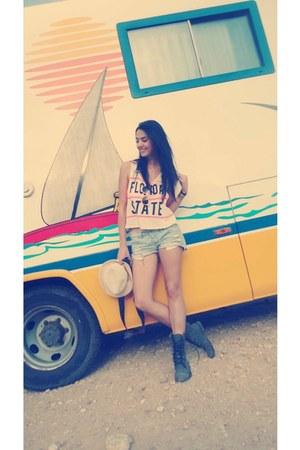 H&M hat - Zara boots - Shana shirt - Bershka pants