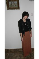 light brown camaieu boots - burnt orange maxi skirt Zara skirt - black t-shirt -