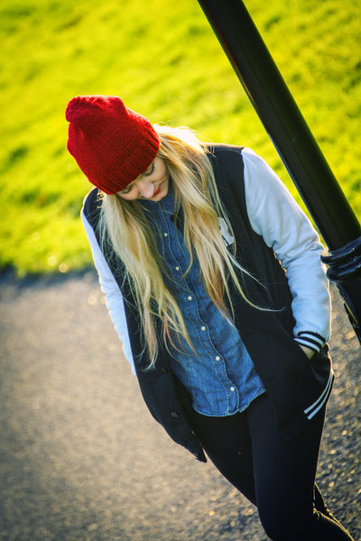 blue denim H&M shirt - ruby red knitted beanie handmade hat