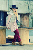crimson F&F jeans - tan wedge Primark boots - black fedora hat