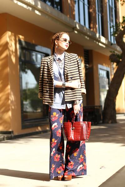brick red leather Furla bag - brown metallic vintage sunglasses