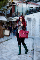 brick red 31 Phillip Lim bag - dark green Hunter boots