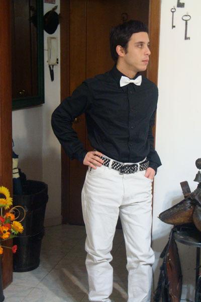 Men 39 s white armani jeans black shirts ties una sera for Black shirt black tie
