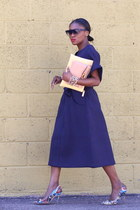 Blue sunglasses - Blue Structured dress - Yellow Bi-Color bag