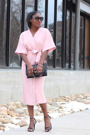 asos dress - Chanel bag - Tom Ford sunglasses - Steve Madden sandals