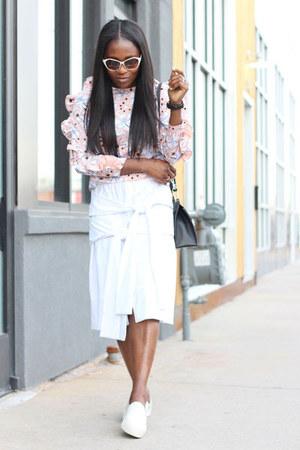 white shoes - balenciaga bag - Tom Ford sunglasses - white skirt - Ruffles top
