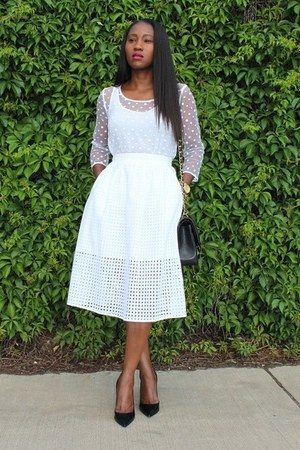 Chanel bag - Zara skirt - Valentino heels - Club Monaco top