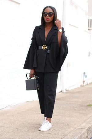 black jacket - Black Box bag - Black Classic sunglasses - white sneakers