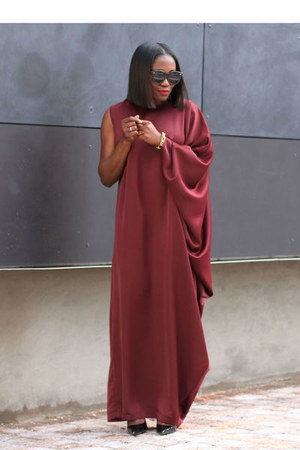 Draped dress - Karen Walker sunglasses - Black Patent heels - Gold Link bracelet