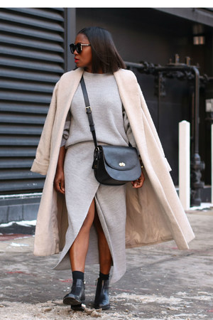 grey knit sweater - Pearl Adorned Black boots - Oatmeal Wool coat