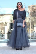 Space 46 Boutique skirt - Valentino shoes - Chanel bag - Tom Ford sunglasses