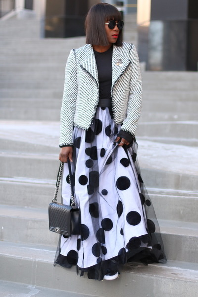 Polka-dot skirt - tweed jacket - black bag - black sunglasses - black t-shirt