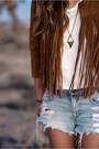 Tawny-fringed-forever-21-jacket-denim-american-eagle-shorts