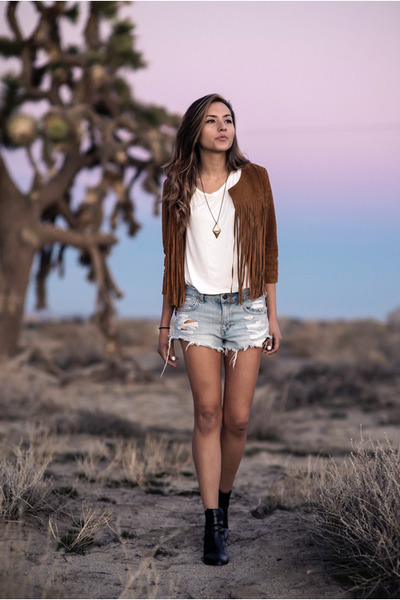 tawny fringed Forever 21 jacket - denim American Eagle shorts