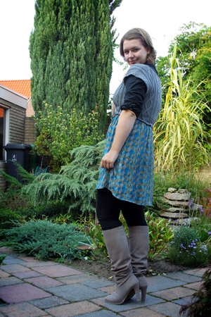 Zara dress - Sutherland blouse - H&M tights - Bijenkorf boots