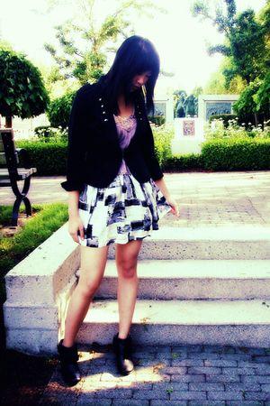 white Forever 21 skirt - black Aldo boots - black H&M blazer