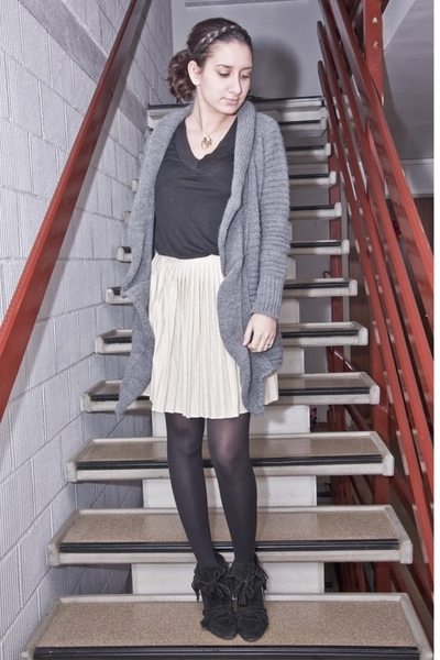 H&M top - vintage skirt - Zara sweater - Zara shoes