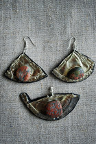 Oogna-east-earrings