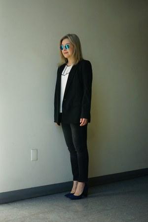 Chloe K top - black cropped Zara jeans - black Zara blazer