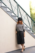 black Zara pumps - Giovannio hat - quay sunglasses