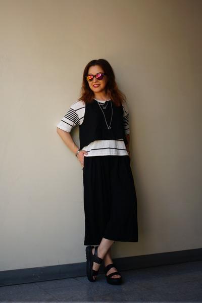 Urban Renewal top - mirror lens Urban Outfitters sunglasses