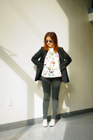 black Zara blazer - aviator tommy bahama sunglasses - One Clothing top