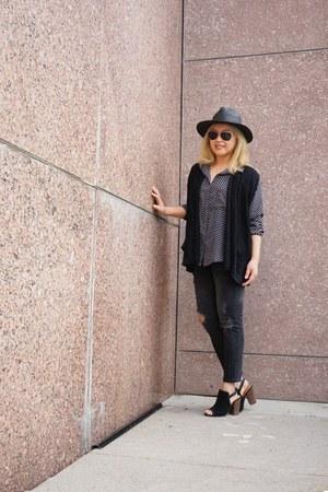 black destroyed Zara jeans - black panama TC hat - black rayon Luna Moon shirt