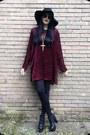 Ruby-red-vintage-90s-dress-black-h-m-hat-black-h-m-sunglasses