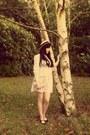 Cream-vintage-1970s-dress-beige-h-m-hat-black-new-look-heels
