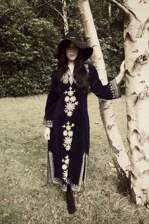 black vintage boots - navy vintage dress - black H&M hat