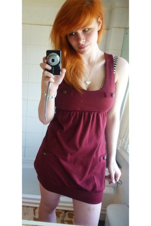 maroon Atmosphere romper - silver heart wire mesh argos necklace