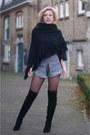 Black-duo-boots-boots-navy-river-island-shorts-crimson-miss-etam-top