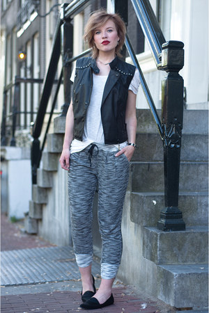 black the Sting jacket - heather gray SwayChic pants - black vagabond flats