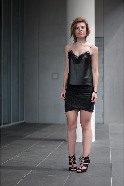 black Zara sandals - black Zara vest - charcoal gray modström skirt