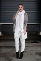 beige Zara cardigan - black Mango boots - white long knit soft Zara scarf