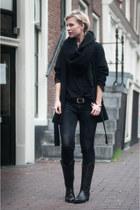 black sendra boots - black Zara coat - black Levis jeans - black DIY scarf