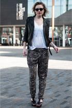 black leather mc H&M jacket - black ray-ban sunglasses - black InVito sandals