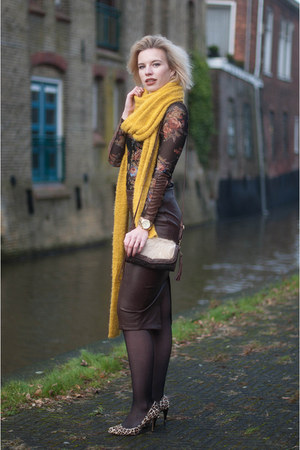 dark brown Miss Etam skirt - mustard Miss Etam scarf - dark brown Boohoo bag