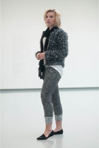 gray the Sting coat - black V&D scarf - charcoal gray SwayChic pants