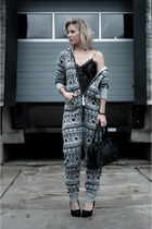 gray OnePiece bodysuit - black Modemusthaves bag - black KG by Kurt Geiger heels