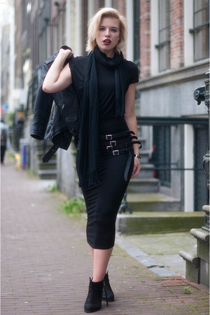 black Sacha boots - black H&M Trend dress - black H&M jacket