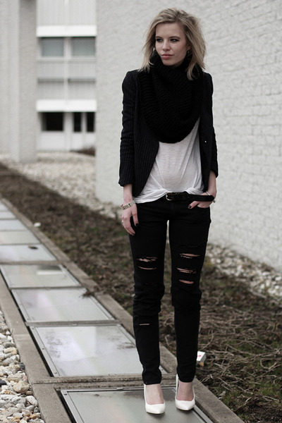 Black Mango Ripped Distressed Skinny Jeans | Chictopia