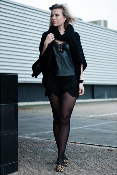 black Shop Affaire scarf - black Zara shorts - mustard Ugg Australia loafers