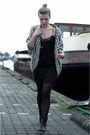 Black-sacha-boots-black-zara-dress-white-zara-cardigan