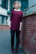 crimson sam edelman boots - crimson COS top - black Coolcat pants