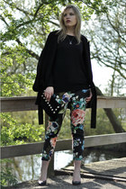 black flowera floral H&M pants - black oversized Zara coat