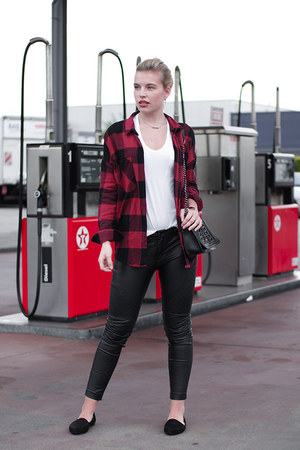 white basic oversized asos t-shirt - ruby red Monki shirt - black vagabond flats