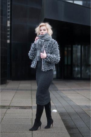 gray Zara dress - black mai piu senza boots